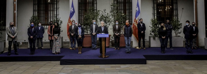 El Ministro de Hacienda, Ignacio Briones, en la presentación de nuevas medidas económicas para las personas de clase media.